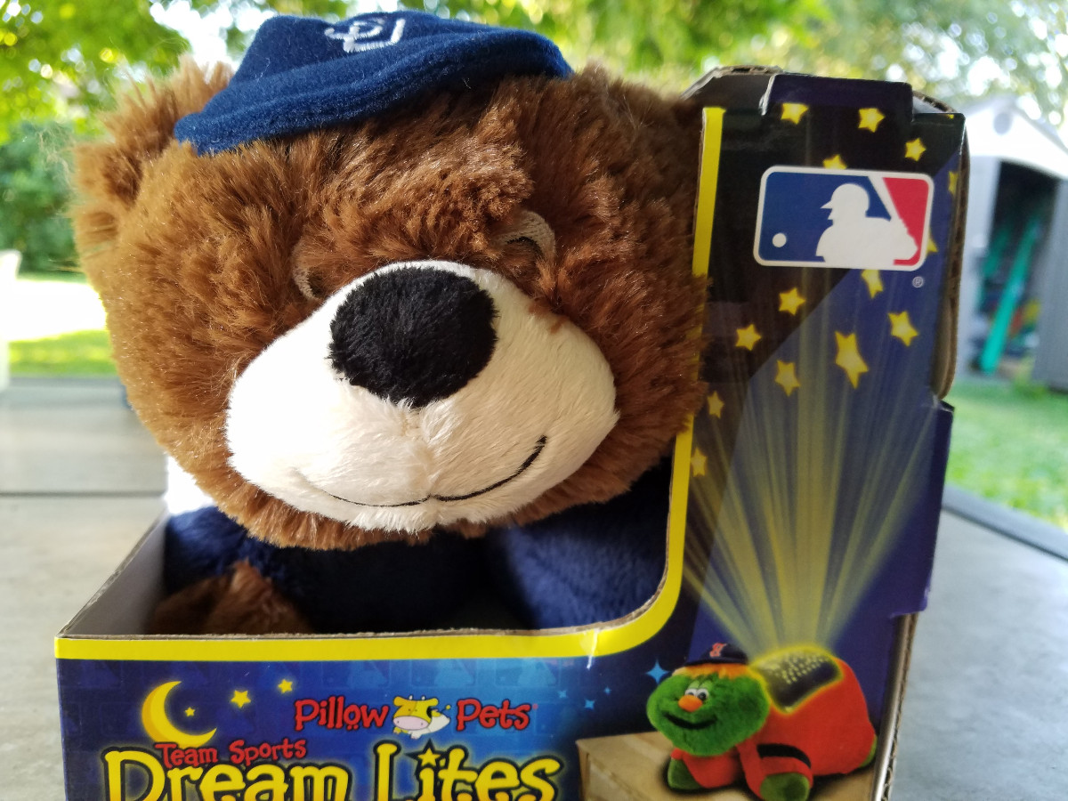 padres pillow pet